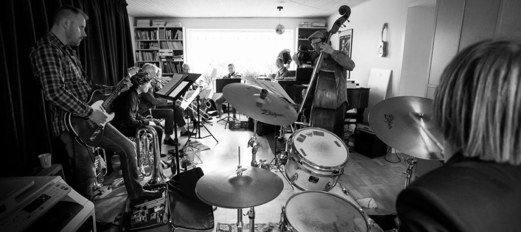 Niels Præstholm øver med Art Ensemble Syd